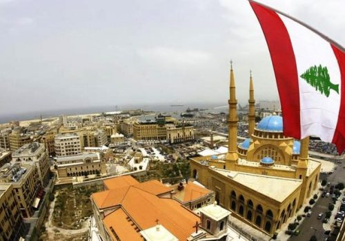 Lebanon-Beirut-mosque-flag-1-500x350